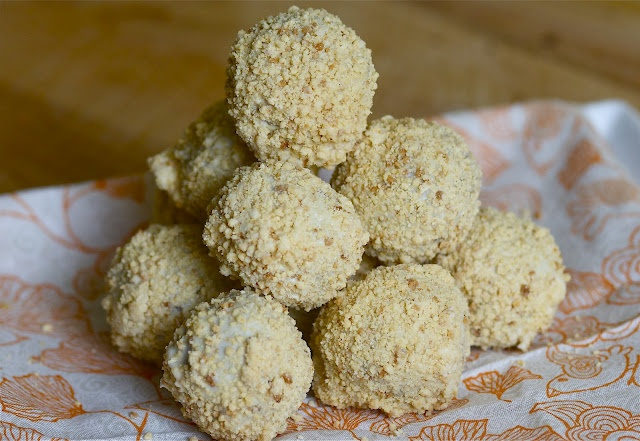 carrot cake truffles | Desserts and Snacks | Pinterest