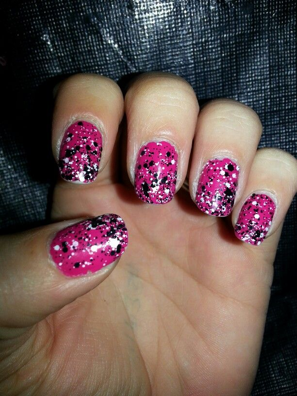 Splatter Nail Art -