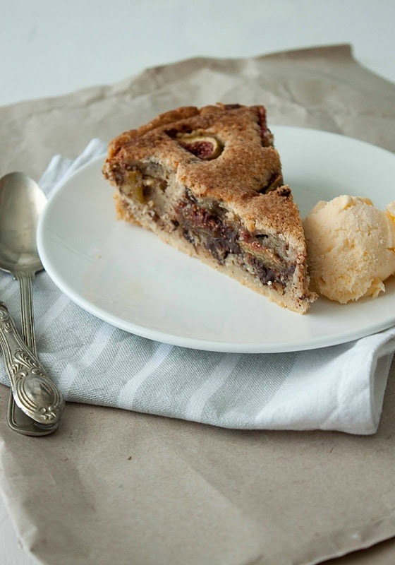 Figs, chocolate, and almond tart by Little upside-down cake | Recipes ...