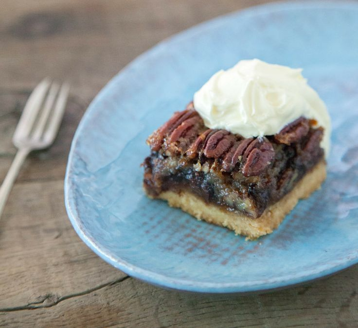 Chocolate Bourbon Pecan Pie Squares | Dessert Bars | Pinterest