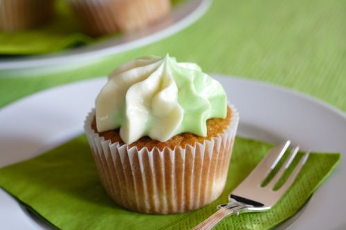 Spiced Apple Cupcakes | Hmmm...online bakery?? I think so...one day ...