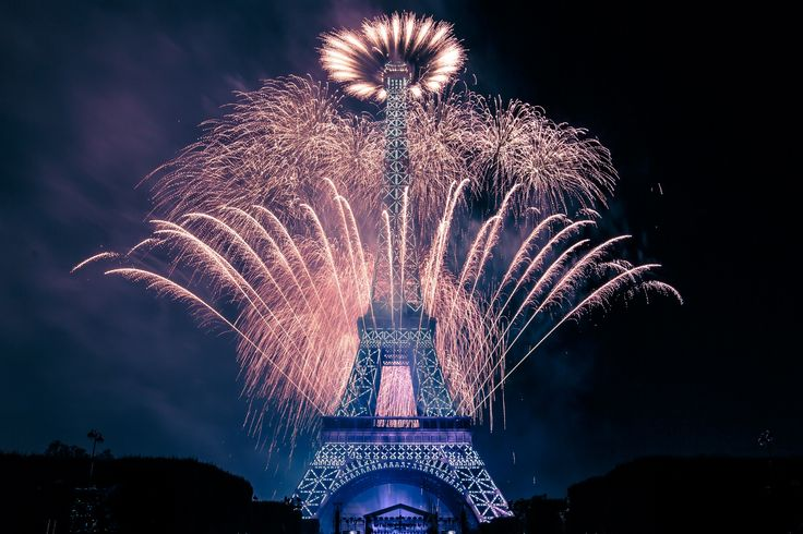 bastille day fireworks time