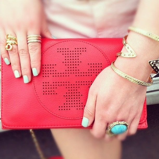 Mix it up - pink outfit, turquoise ring and nails, yellow gold rings and bracelets.