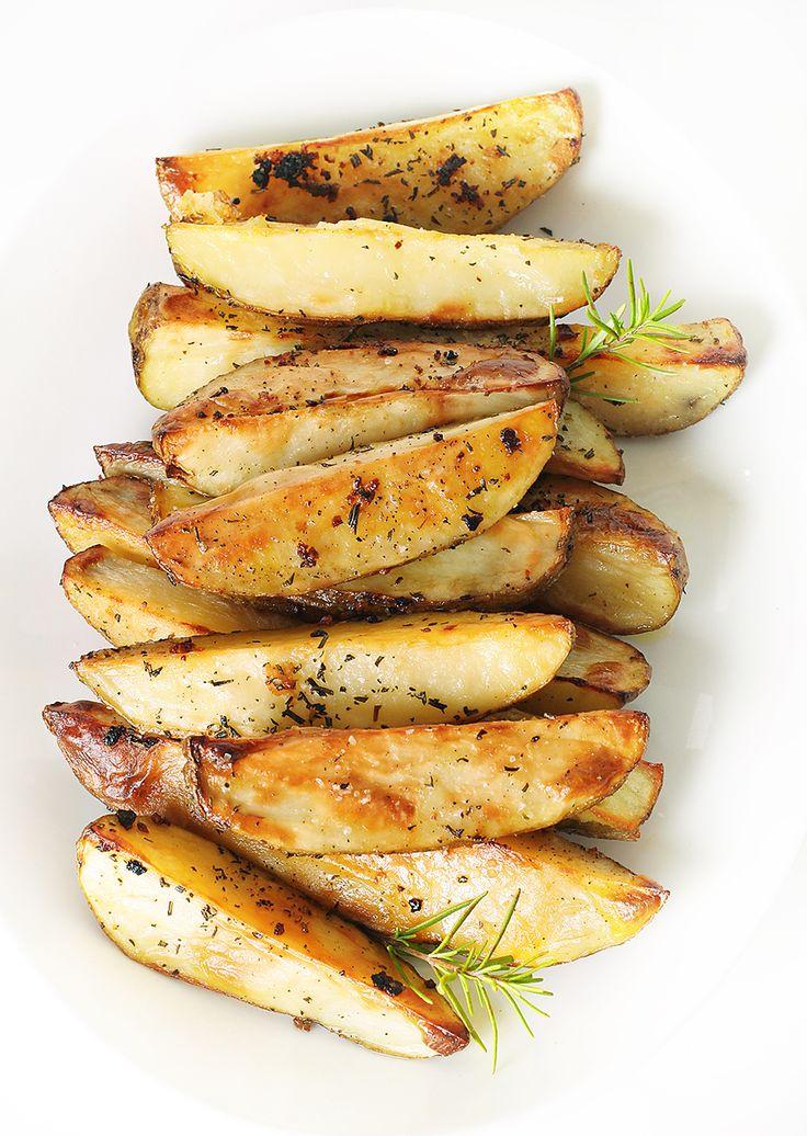 rosemary garlic roasted potato wedges healthy crispy crunchy potato ...