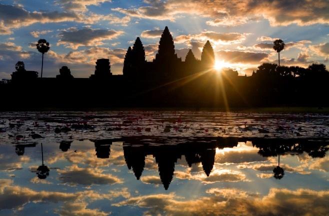 Angkor Wat alba
