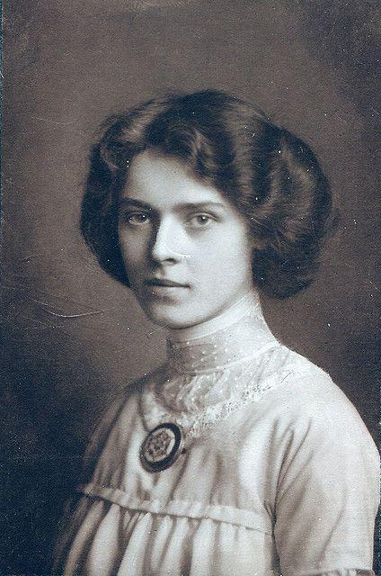 Hairstyle 1890s Vintage looks Pinterest