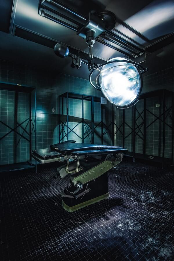 Abandoned hospital operating room. | Abandoned Places ...