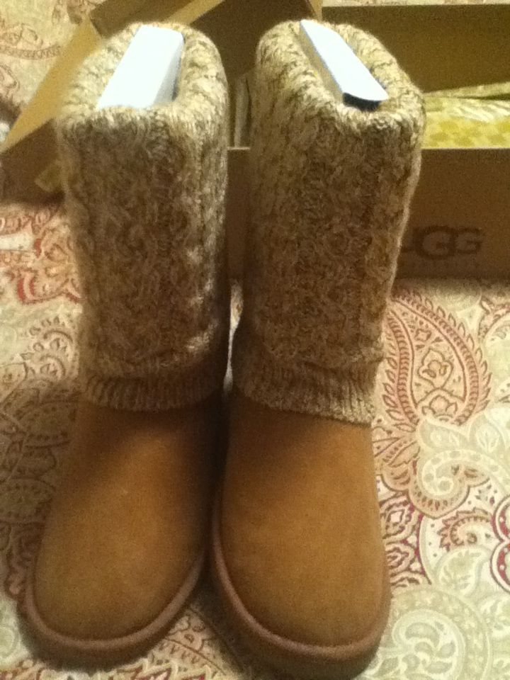 Sweater uggs...I HAVE THESE!!