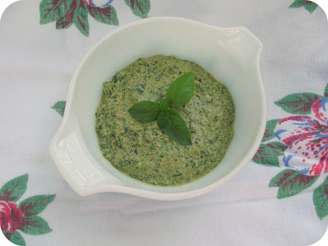 Vegan Walnut Pesto. Visit this blog for tons of great vegan recipes :0 ...