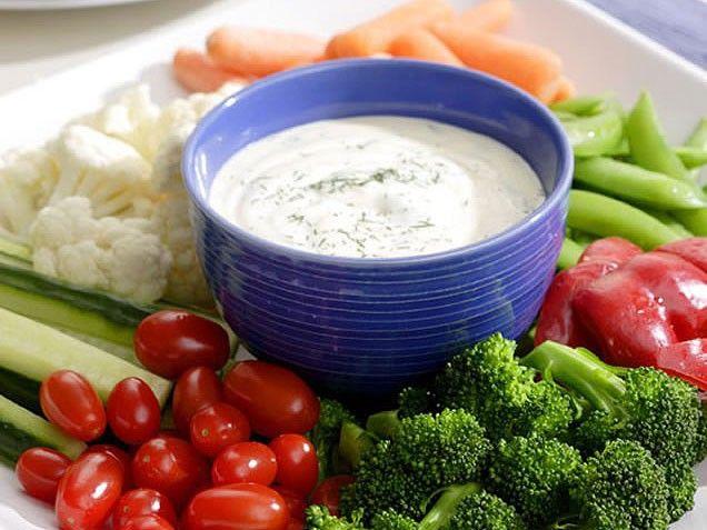 Ranch Dip & Crunchy Vegetables #superbowl #dip #vegetables #ranch