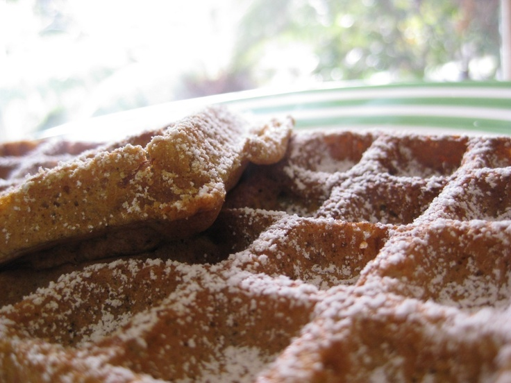 Spiced Pumpkin Waffles! | Brilliant Breakfast You'd Happily Wake Up F ...