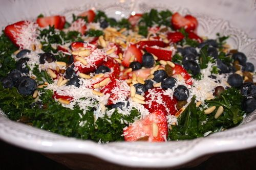 Tropical Kale Salad w/Blueberry Balsamic Dressing--gorgeous and ...