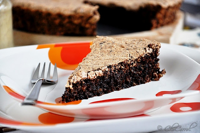 flour-less chocolate almond cake/pastel de chocolate y almendras sin ...