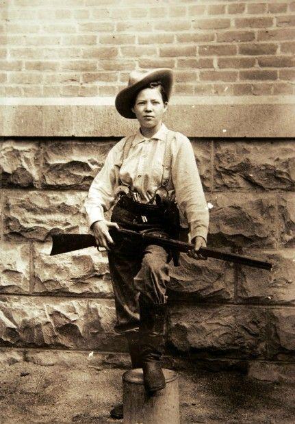 Pearl Hart: female bandit