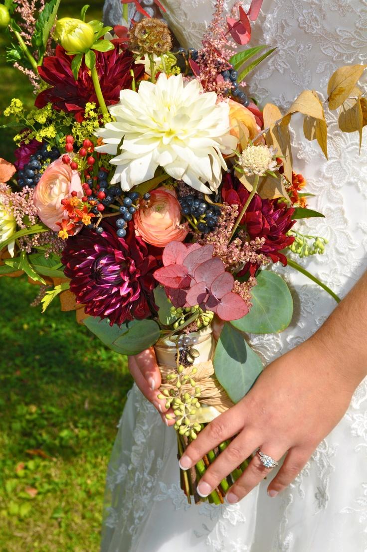 rustic wedding bouquet dahlias bridal bouquets pinterest. Black Bedroom Furniture Sets. Home Design Ideas