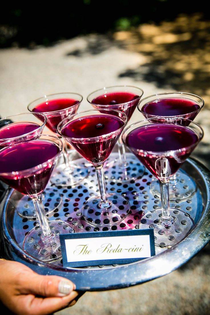 Match your cocktails to your day! #wedding #cocktails #purplecocktails