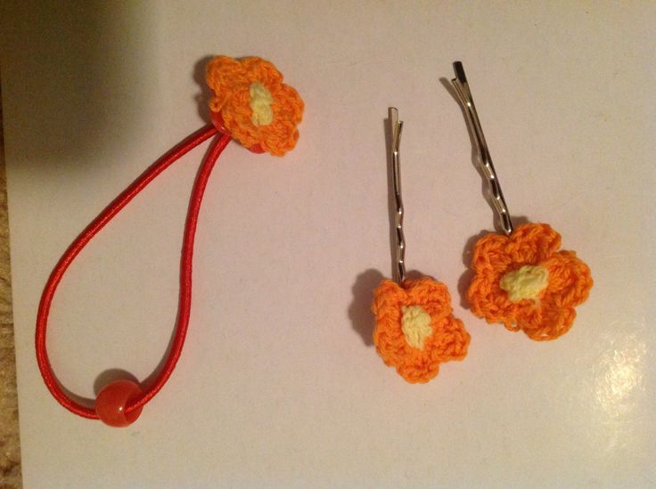 Crochet Hair Using Bobby Pin : Cute crochet bobby pins and hair tie set Do it yourself Pinterest