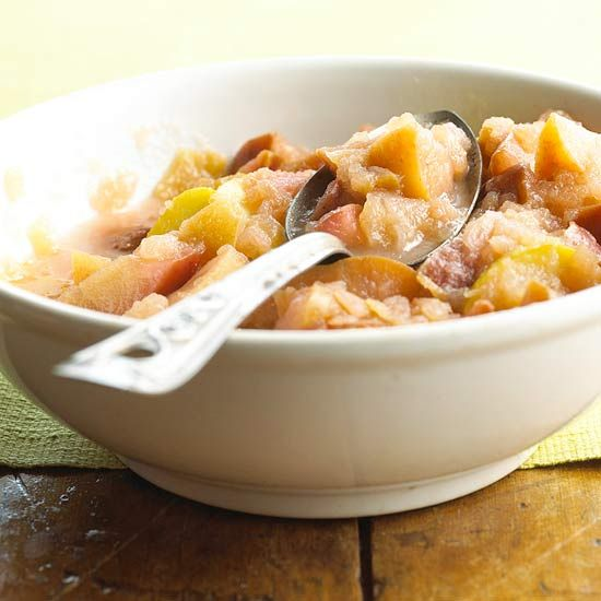Make some homemade Chunky Applesauce in your slow cooker! More holiday ...