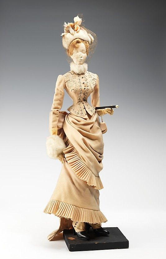"Метрополитен-музей - ""1888 Кукла"" Дом Balmain.  Французский 1949."