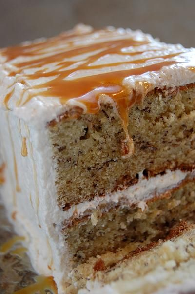 Banana cake with dulce de leche frosting | Get In My Belly | Pinterest
