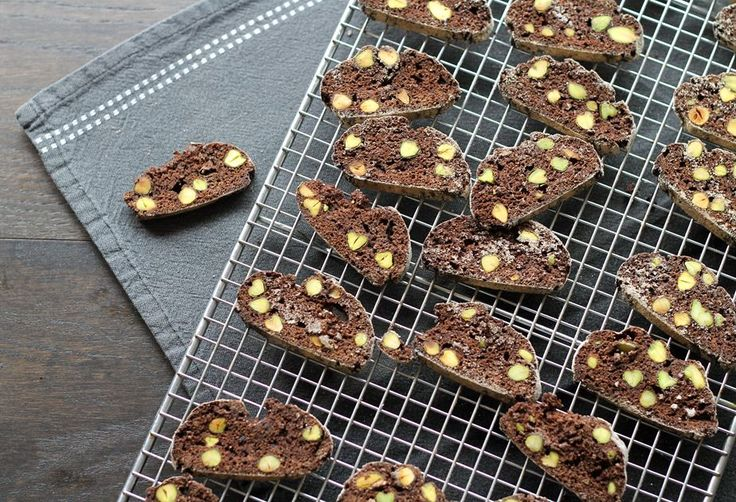 Chocolate Pistachio Biscotti | FOOD AND DRINK | Pinterest
