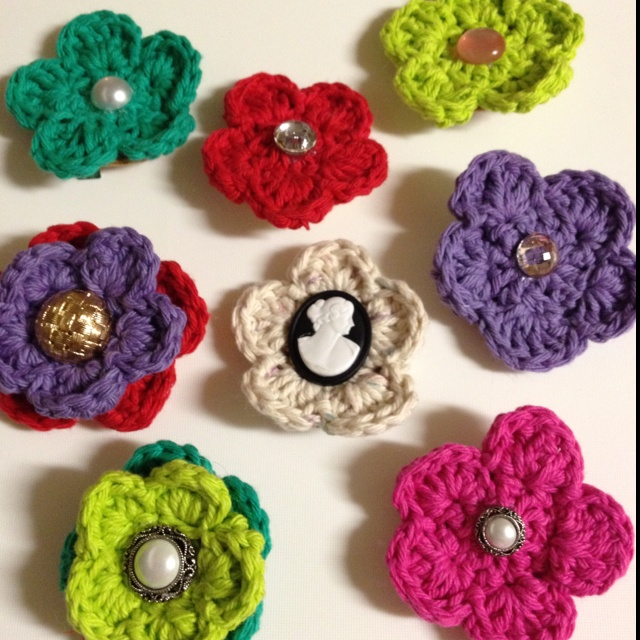 Crochet Hair Clip Pattern : Crochet flower hair clips and pins Crochet Patterns To Try ...
