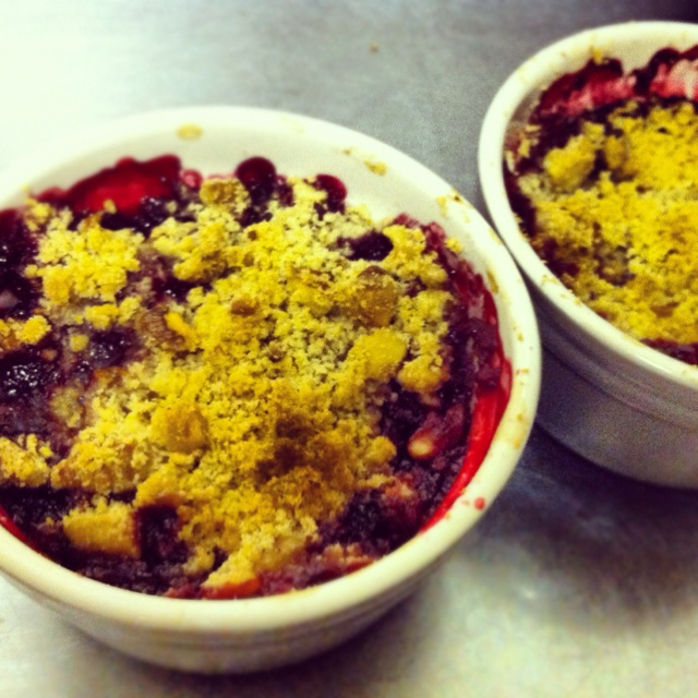 Blackberry and Apple Crumble | Food! Yum! | Pinterest