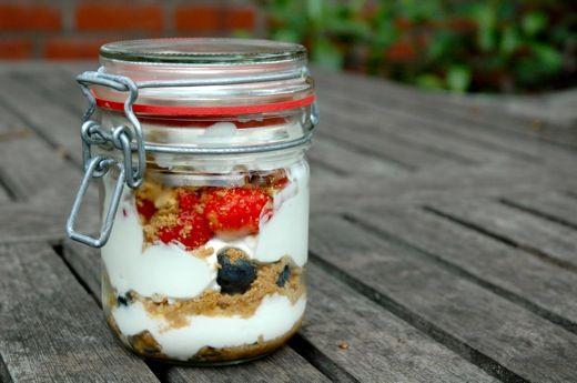 Yogurt parfait | Food: Sweets & Treats | Pinterest