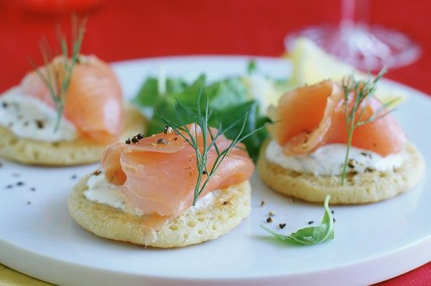 Blinis yummies pinterest for Quick canape ideas