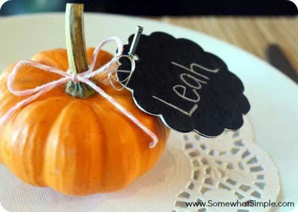 Cute Thanksgiving Place Card Holder Idea Holidays