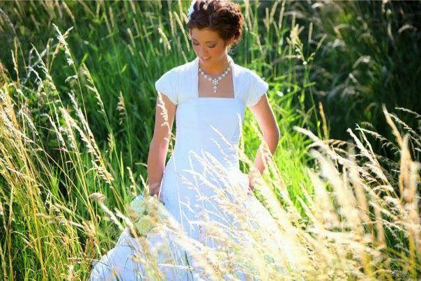 Bride and groom session bridals alpine ut lace wedding dress