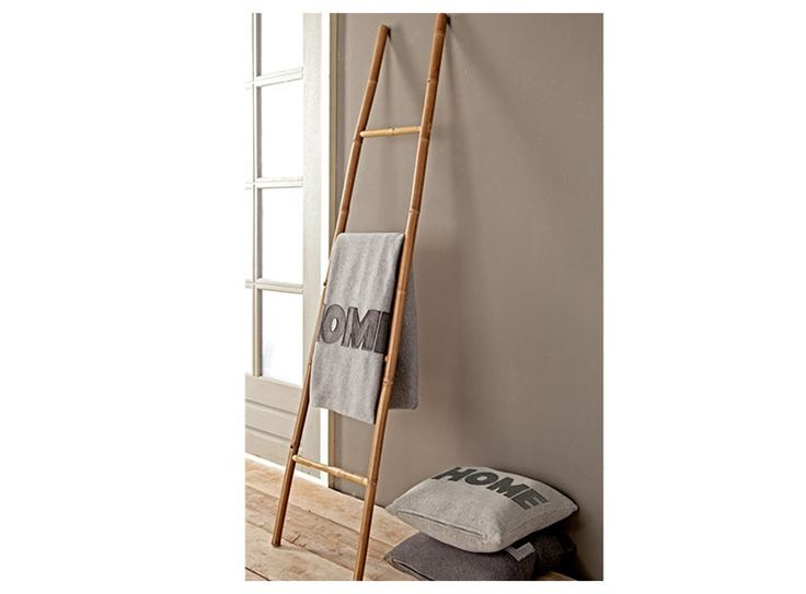 Decoratie Ladder Badkamer : Ladder used to hang clothes in the laundry badkamer bord