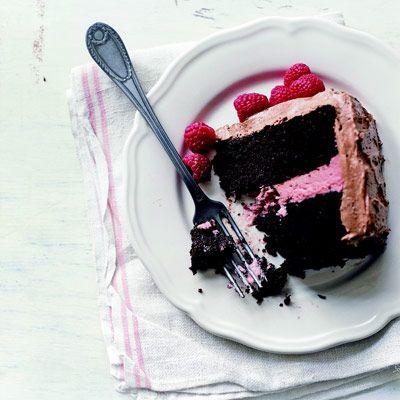 ... /deep-dark-chocolate-cake-desserts #chocolate #cake #marshmallow