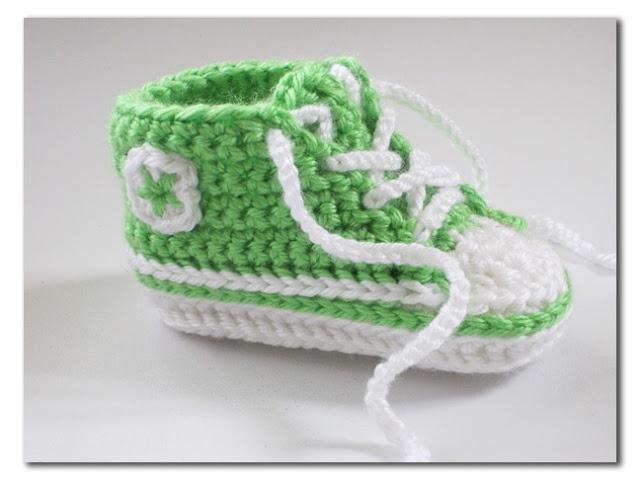 Thread Crochet Baby Converse Pattern Free : Dorothy was here: Crochet Converse Crochet Crochet ...