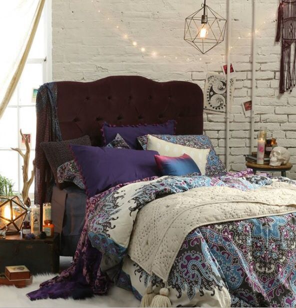 Decorating Ideas > Gallery For > Urban Outfitters Bedding ~ 050050_Urban Dorm Room Ideas