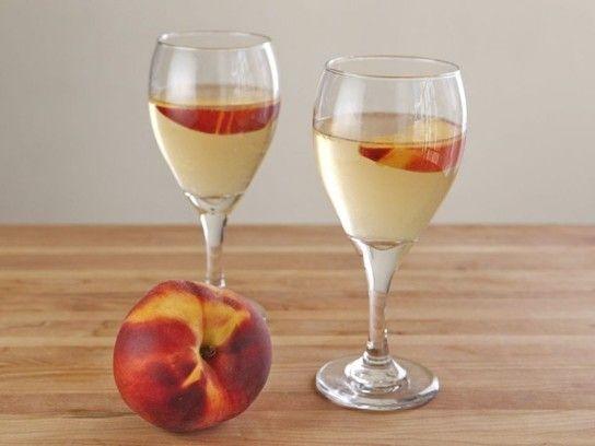 Peach Sangria - Easy Summer Recipe | Recipes | Pinterest