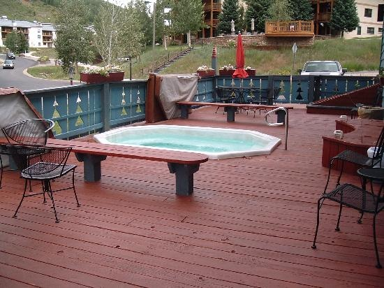 Nice Outdoor Decks : Nice outdoor deck and hot tub!  Outdoor projects & Ideas  Pinterest