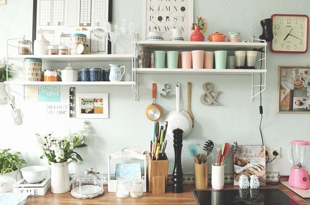 string regale in der kueche home living room pinterest. Black Bedroom Furniture Sets. Home Design Ideas