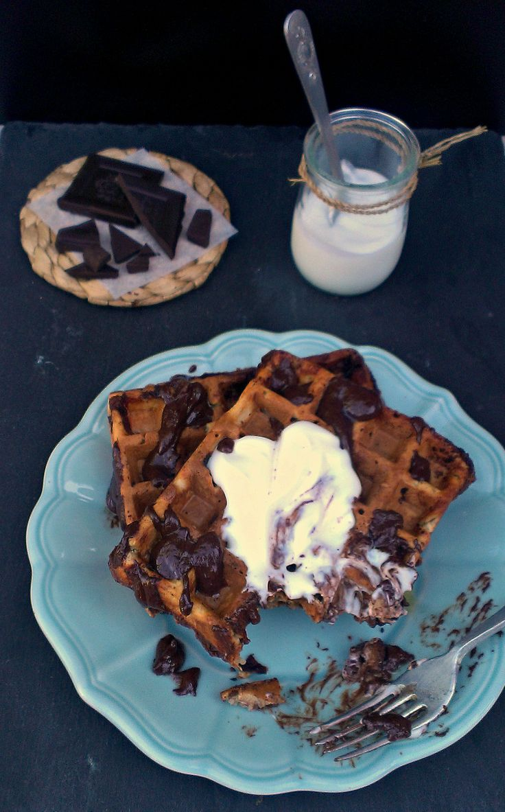 Banana Greek Yogurt Waffles with Chocolate Chunks | honey & figs