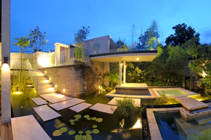 Discover the Art of Tropical Living at Paya-Paya Villa, Bali