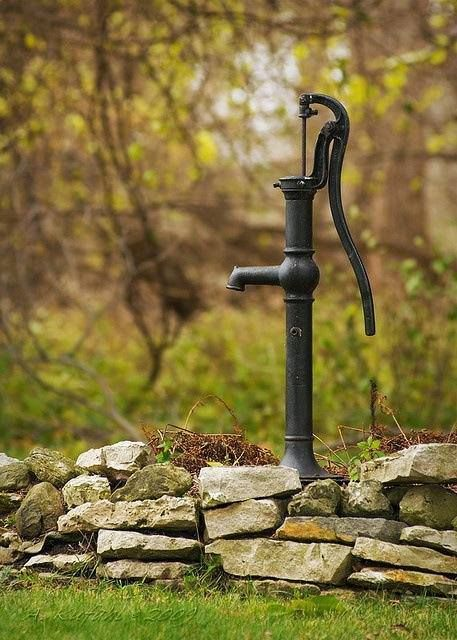 Old Fashioned Well Hand Pump