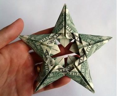 Gifts for Him or Her:  Origami Star DIY gift wrap to give a cash / money gift from the Homemade Gifts Made Easy blog