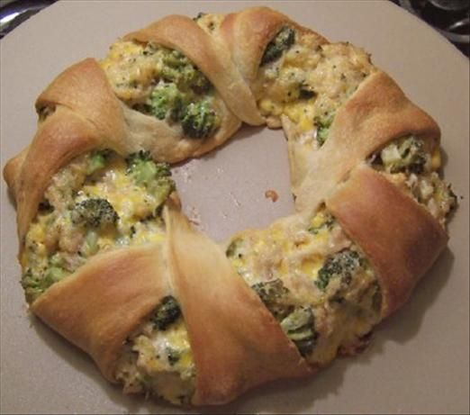 Chicken, Broccoli And Cheese Crescent Wreath Recipe - Food.com - 93930