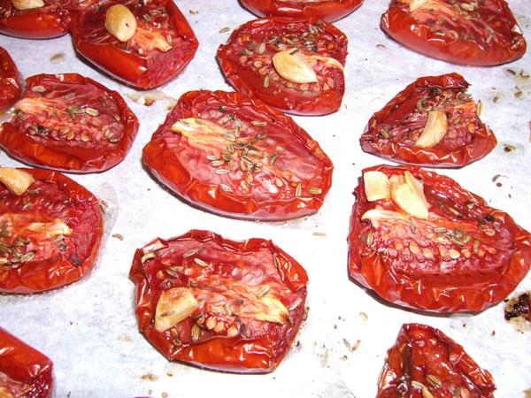 Slow-roasted tomatoes. | Food / Drinks | Pinterest