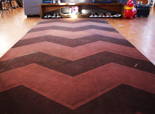 diy spray painted chevron carpet diy crafts and projects pinterest. Black Bedroom Furniture Sets. Home Design Ideas