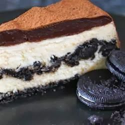 Chocolate Cookie Cheesecake. | Desserts | Pinterest