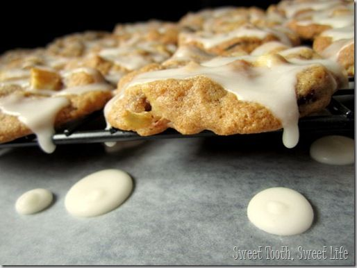 vanilla glazed cranberry apple cookies | Nom Nom Nom | Pinterest