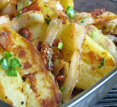 Finger Potatoes with Caramelized Onion and Bacon