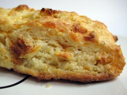 apple cheddar scones | to eat | Pinterest