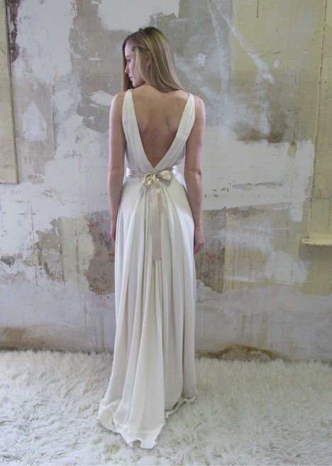 Wedding Dress For   Dublin : Wedding attire dress gown the site is designed to assist bridal